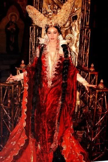 Monica Bellucci as the Mirror Queen in The Brothers Grimm, 2005