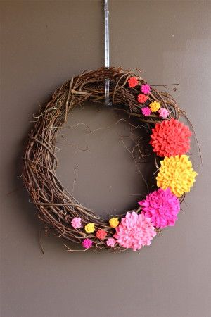 Dearest Dahlia Felt Wreaths