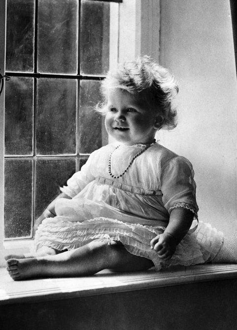 queen elizabeth as a child | queen-elizabeth---baby