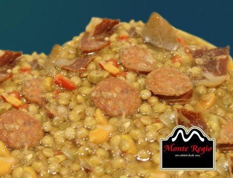 Lentejas con chorizo y virutas de jamón ibérico #MonteRegio ¡lo mejor para los días de frío!