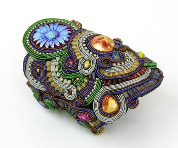 Dori's oversized Inspiration bracelet #DoriCsengeri #oversized #statementjewelry #floralbracelet