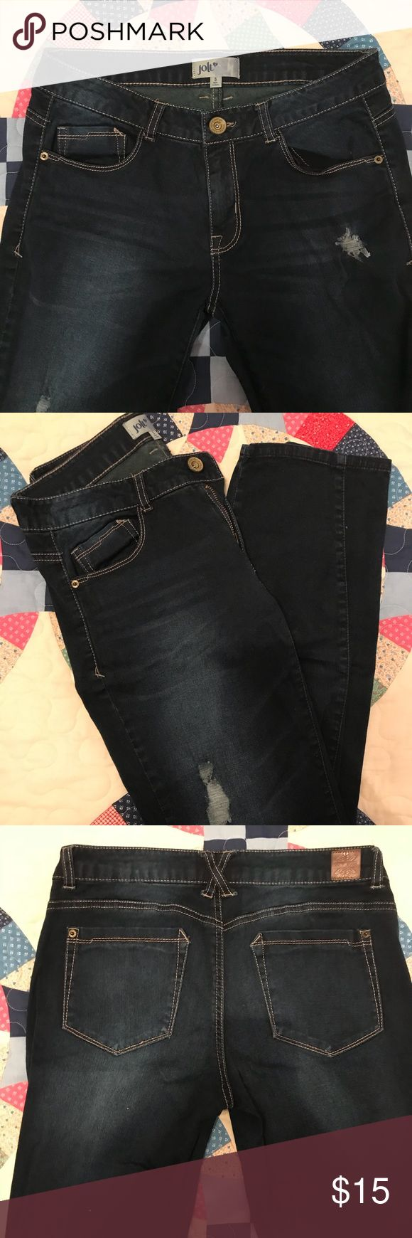Dark Denim Jolt Jeans (SIZE 5) Classic dark denim jeans from Jolt. These are size 5, not size 6 as poshmark doesn't have a woman's size 5 option. Gently used and in perfect condition! Make me an offer! Jolt Jeans Skinny