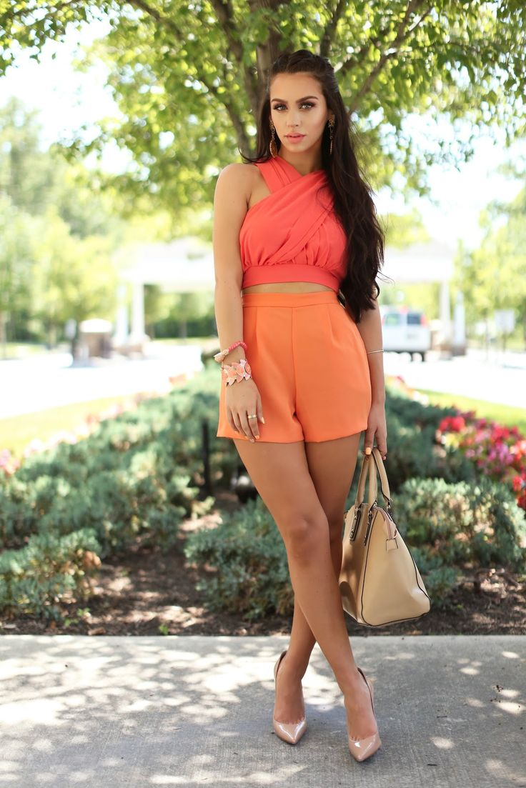 Coral Crush | Color Series | the Fashion Bybel