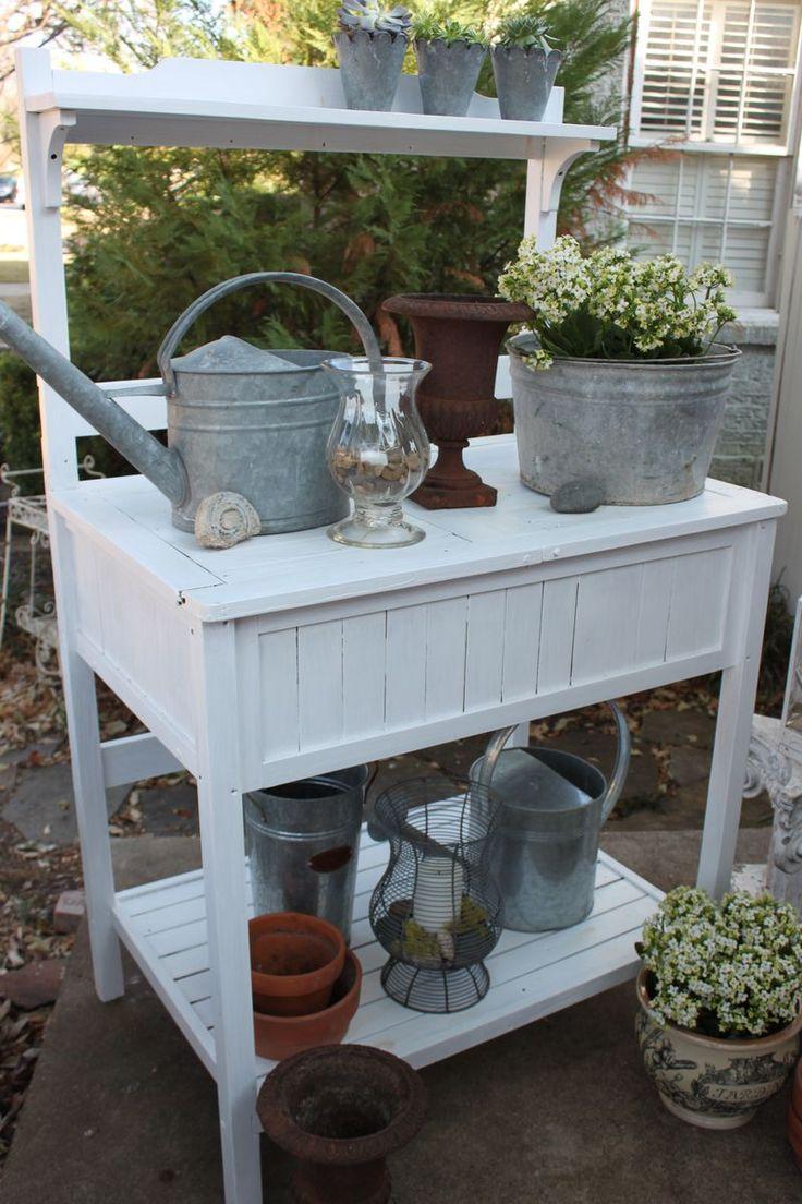 potting bench vignette