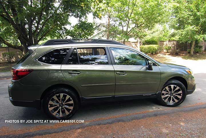 Wilderness Green 2015 Subaru Outback with optional body side moldings