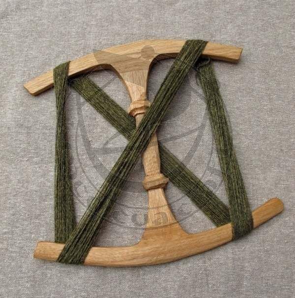Niddy-Noddy, Oseberg Thread/Yarn Winder :: Medievalcraft