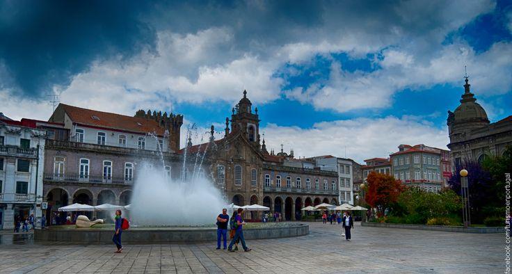 Cidade com mais de 2000 anos de história, Braga é igualmente uma cidade jovem e dinâmica