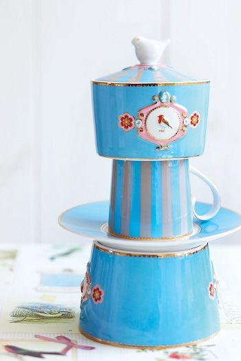 pip love birds cup and saucer cappuccino blue pip studio pinterest pip studio love birds. Black Bedroom Furniture Sets. Home Design Ideas