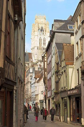 An alley at the Cathedral of Rouen, much loved by Monet and the Impressionists for its brightness.