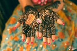 Ashmeet's Mehndi Ceremony - The Cheesecake Project - via WedMeGood