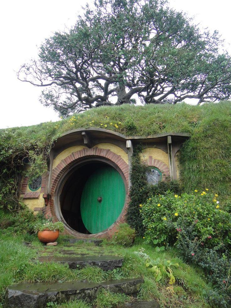 Hobbit Fairy Doors On Pinterest Hobbit Hole Hobbit Door And Round
