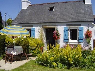 Un gite capacité 1 ou 2 personnes idéal pour découvrir à la fois la Bretagne intérieure et les côtes bretonnes...