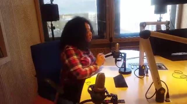 Mia Rose em direto na Radio Latina!  Não perca o concerto, logo à noite no Aalt Stadhaus, em Differdange. ;)