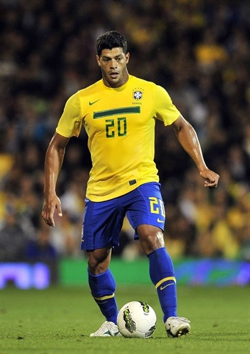 GOAL!!! Brazil's Hulk is a hunk! (he just scored) What a great game: Brasil 3 x Argentina 2