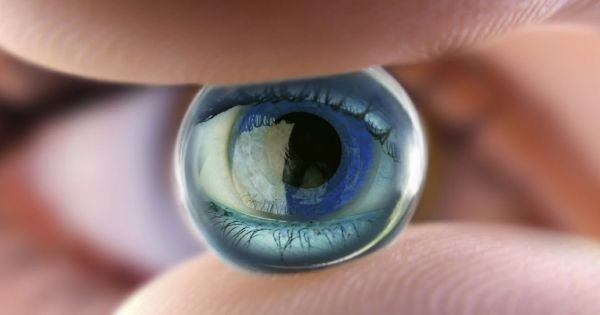 New Artificial Retina Study Could Bring Electronic Sight to the Blind. A team of scientists claim they have identified two factors that limit the resolution of retinal prostheses. Armed with the findings, the team hopes to open the way towards making promising improvements to retinal prostheses for humans.