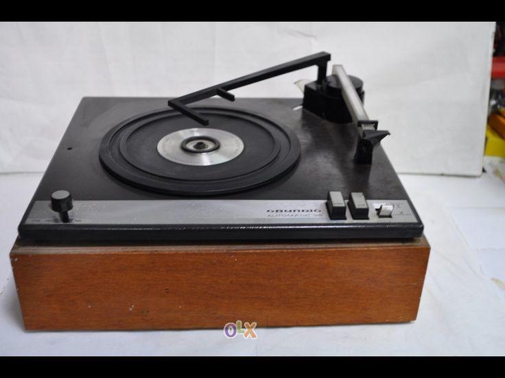 Gira-discos antigo
