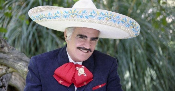 """Vicente Fernández tras ser operado: """"Aquí me tienen para darles mucha guerra todavía"""""""