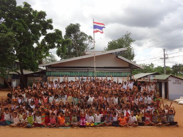 Buone notizie dalla Thailandia: dopo che un uragano ha colpito una scuola di un progetto anche grazie ad un nostro stanziamento le attività riprendono...