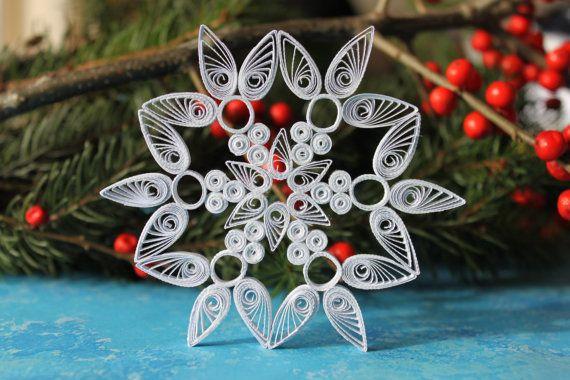 Blanc piquants flocon de neige / quilling ornement / décoration de Noël / Style 007 / cadeau de Noël