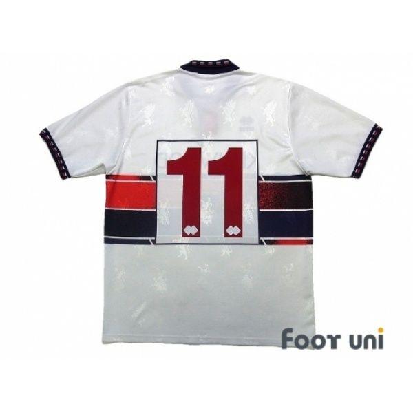 Genoa 1994 1995 Away Shirt 11 In 2020 Retro Football Shirts Soccer Shirts Vintage Football Shirts