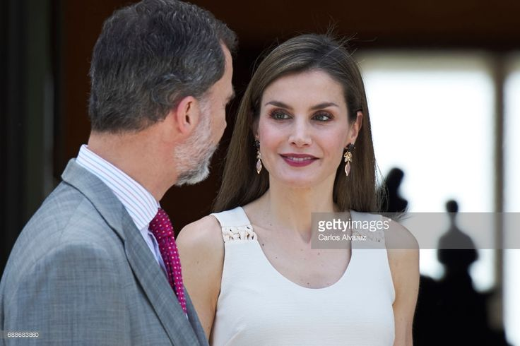 King Felipe VI of Spain and Queen Letizia of Spain receive Portuguese President Marcelo Rebelo de Sousa at Zarzuela Palace on May 26, 2017 in Madrid, Spain.