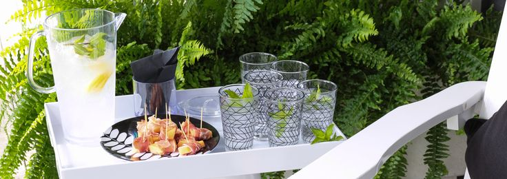 Cool outdoor serving. www.bzyoo.com #cool #outdoor #serving #glassware #alfresco #food #black #white #drinks #lemonade #style #design