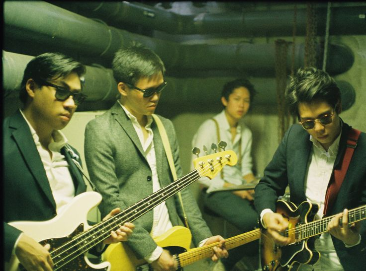 Cashew Chemists is a rock band from sunny Singapore. Consisting of Yuji Kumagai (vocals), Brian Chia (guitar), Elliot Sng (bass) and Zachary Chia (drums), Cashew Chemists is heavily influenced by pop-rock music of the '60s and '70s, and seeks to enchant you with their dreamy songs and jazzy harmonies on top of twiddling surf guitar and classic bluesy bass.