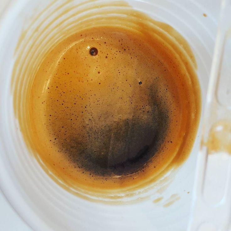 Buona Pausa #caffè a tutti.  #coffee #cafe #instacoffee #coffeetime #cafelife #caffeine #coffeebreak #hot #mug #drink #coffeeaddict #coffeegram #coffeeoftheday #cotd #coffeelover #coffeelovers #coffeecup #coffeeholic #coffiecup #coffeelove #coffeemug #coffeeholic #coffeelife #coffeeplease #ig_coffee #picoftheday #kopi
