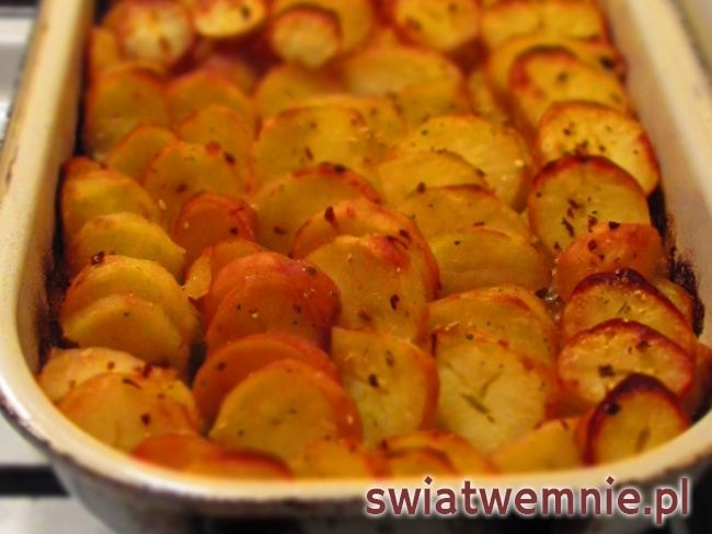 Ziemniaki zapiekane z porem • Przepis   swiatwemnie.pl