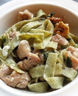 Vaříme bez tuku: Těstoviny s medvědím česnekem, kuřetem, ořechy a n...