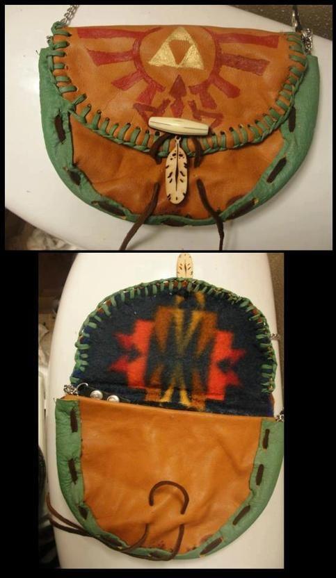 Handmade leather Legend of Zelda satchel.