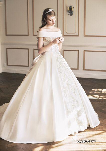 オフショルダーウエディングドレス