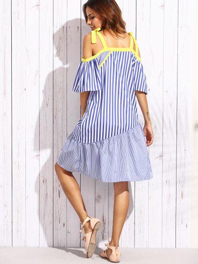 Сине-белое модное полосатое платье с открытыми плечами
