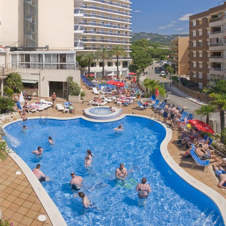 piscina para adultos y para nios dnde disfrutar de ratos de diversin o de