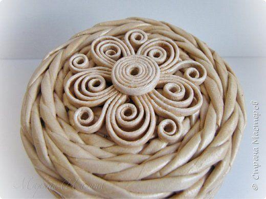 Поделка изделие Пасха Плетение Теперь все довольны Бумага газетная Трубочки бумажные фото 12