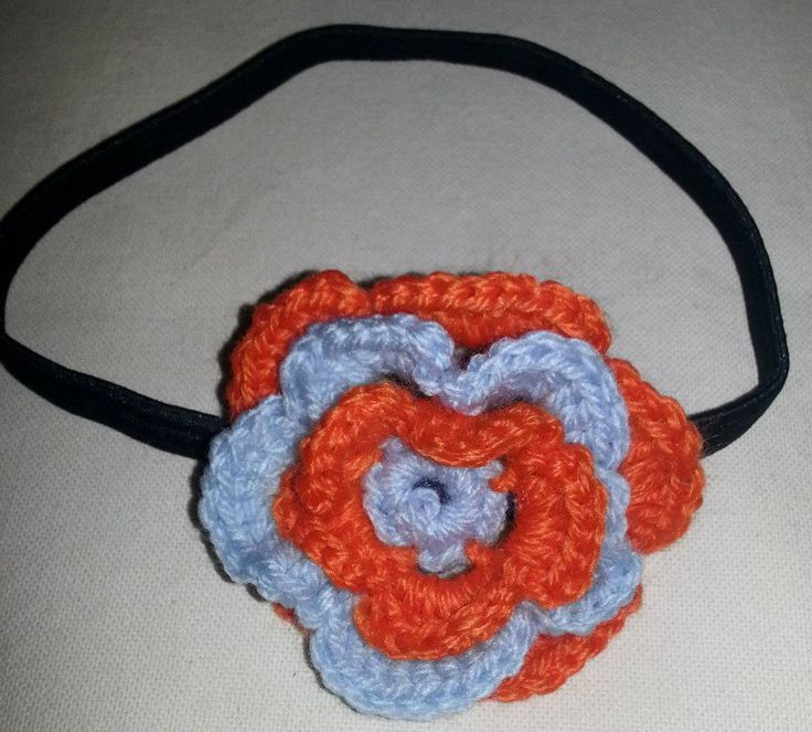 Hairband with a crochet flower.