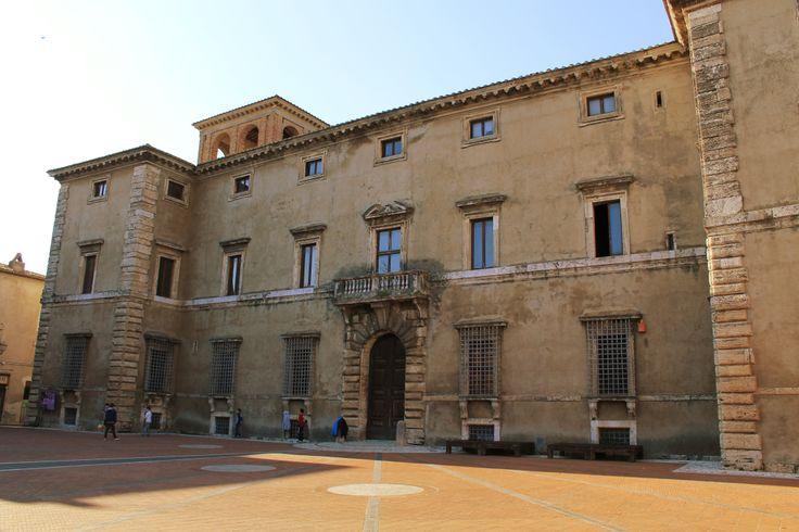 """Così si conclude la nostra """"storia in pin"""" di Palazzo Cesi per #umbriainpin. Se vuoi rileggerla, non devi far altro che cliccare sull'hashtag #palazzocesi per caricare tutte le pin che raccontano la storia del palazzo."""