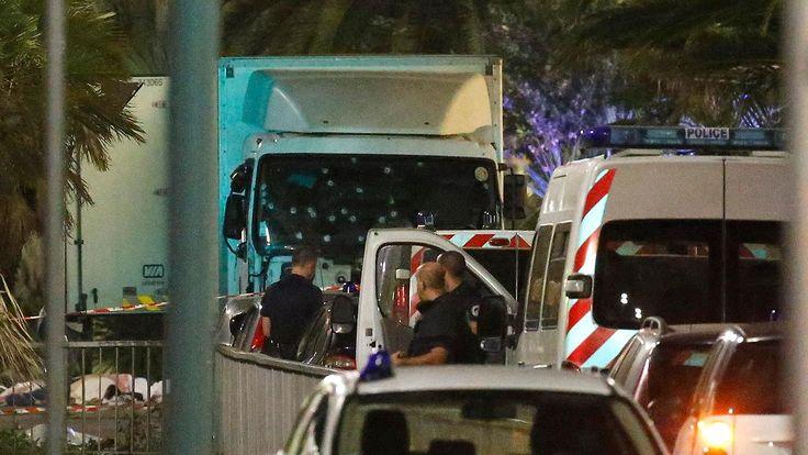 Anschlag von Nizza: Nur ein Polizeiwagen sperrte Promenade ab