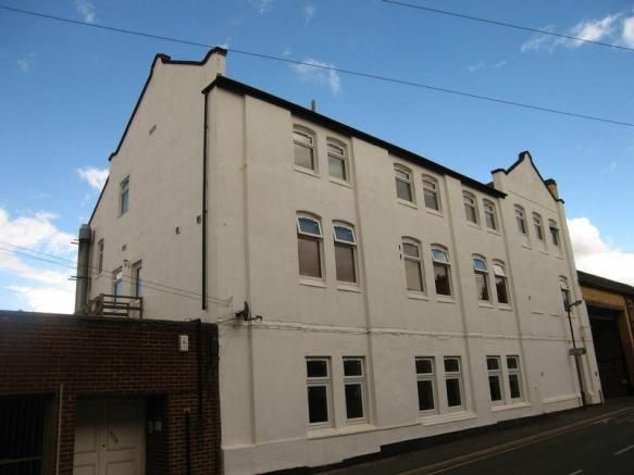 1 bedroom flat to rent - Owen Street, Coalville Key features  One Bedroom Studio Lounge Diner Kitchen Bathroom Close To Town Centre Available Mid November 2015 EPC RATING: D *Further fees may apply http://www.newtonfallowell.co.uk/lettingsfees/coalville   #coalville #property https://coalville.mylocalproperties.co.uk/property/1-bedroom-flat-to-rent-owen-street-coalville/
