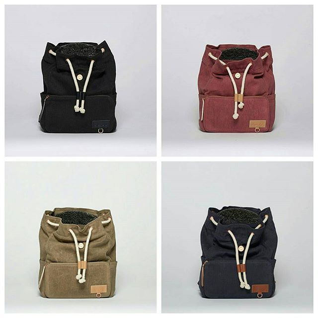 Mini-Ransel for kids 1-6 years  EXTERIOR • waxed canvas • ykk-zipper • 2 x sidepockets for bottles • handle with snap button • chest buckle • mobile reflector  INTERIOR • 8 litres volume • back sleeve pocket with mobile sitting pad  Weight:  400 grams  Price:  599 NOK/SEK // 65 EUR www.itskaos.com