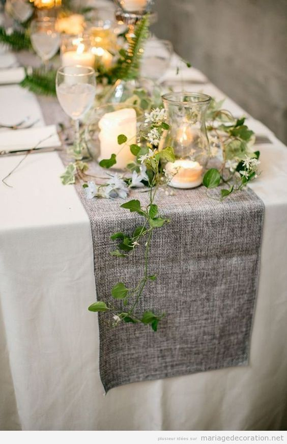 Déco mariage chemin de table couleur cendre                                                                                                                                                                                 Plus