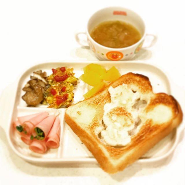 2016/11/18 06:15:38 yo_shi_bon #balmuda #バルミューダトースター #バルミューダ #トースト #toast #白菜スープ #soup #ホームベーカリー #コーンオムレツ #omelette #幼児食 #2歳 #2歳6ヶ月 #朝ごはん #朝食 #今日の朝食 #こどもごはん #いただきます #kids #kidsfood #kidsmeal #kidsbreakfast #breakfast #japonais #japanese #japanesefood #japanesebreakfast #ムスメシ #ムスメ #ニコニコ