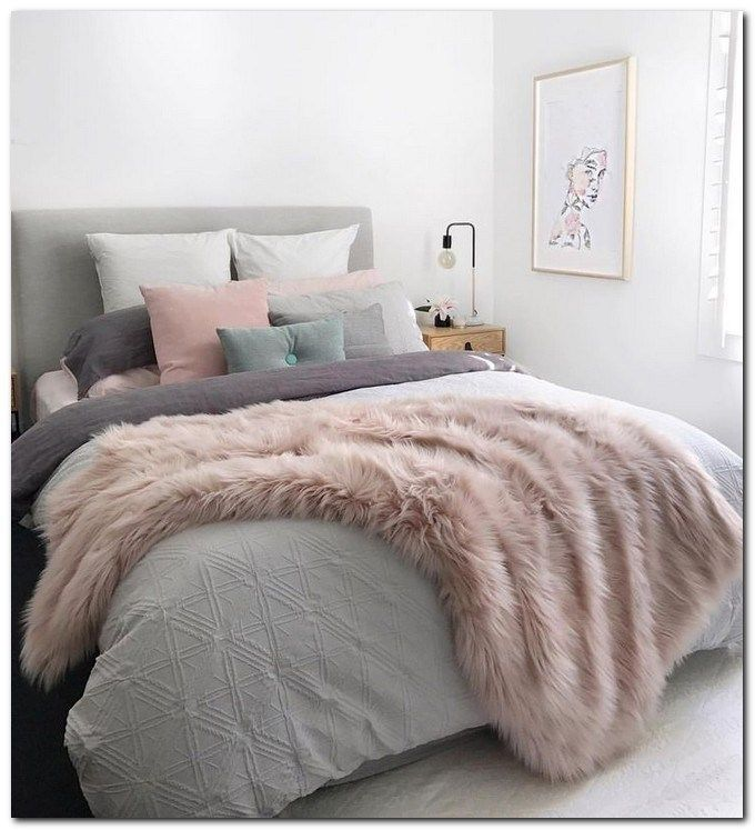 43 Beautiful Shabby Chic Bedroom Ideas For Women Beautifulbedroomideas Shabbychicbedroom Bedroom Woman Bedroom Shabby Chic Decor Bedroom Chic Bedroom Design