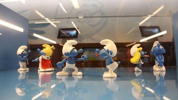 De Smurfen, de bekende strip- en tekenfilmfiguren, zullen in verschillende Europese steden optreden als ambassadeurs van de Belgische hoofdstad. Men wilt  Brussel ook in het buitenland in de kijker zetten.