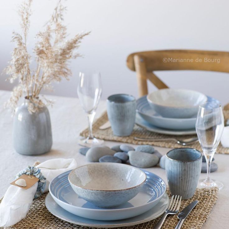 💙 New styling up on my blog: Mariannedebourg.no [ 1 tableware – 5 styles ]