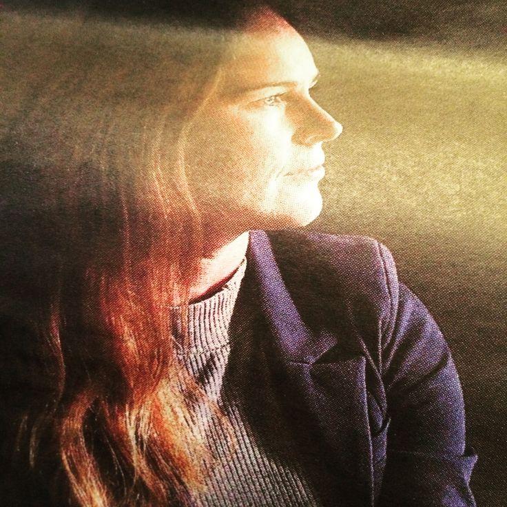 Caroline Ekström är en naturlig begåvning när det gäller att använda Motiverande samtal, MI. Hon arbetar med våld i nära relationer i Skärholmen SDF som har vunnit priser för deras arbetet. Intervjun i #DN kan ni läsa här: http://mobil.dn.se/insidan/forandringen-finns-inom-varje-manniska/  Här ser ni henne i en film där hon använder sig av FREDA och MI för att fråga om våld i nära relationer. http://youtu.be/kYGJAmafY0o