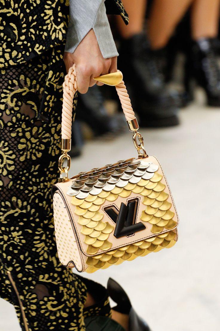 Louis Vuitton ss'17 #scales