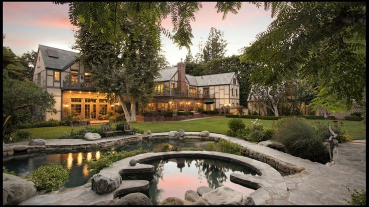 #Luxury #realestate realtor Joyce Rey talks about #BeverlyHills Properties for sale, how #tech is impacting the sector and shares some #celebrity stories  #GrandeBellezza #TaylorSwift #RobinWilliams #ShelleyWinters