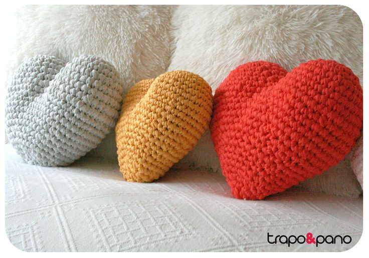 """Almofadas em crochet """"corações"""""""
