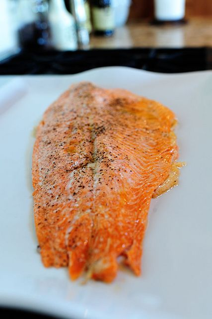 """Perfect Salmon EVERY time, here's how to cooked it: drizzle salmon filet with olive oil, sprinkle with salt and pepper, put it in a cold oven, then turn on the heat to 400 degrees. Twenty-five minutes later, the salmon is absolutely perfect. Tender, moist, flaky. A no-fail method!"""